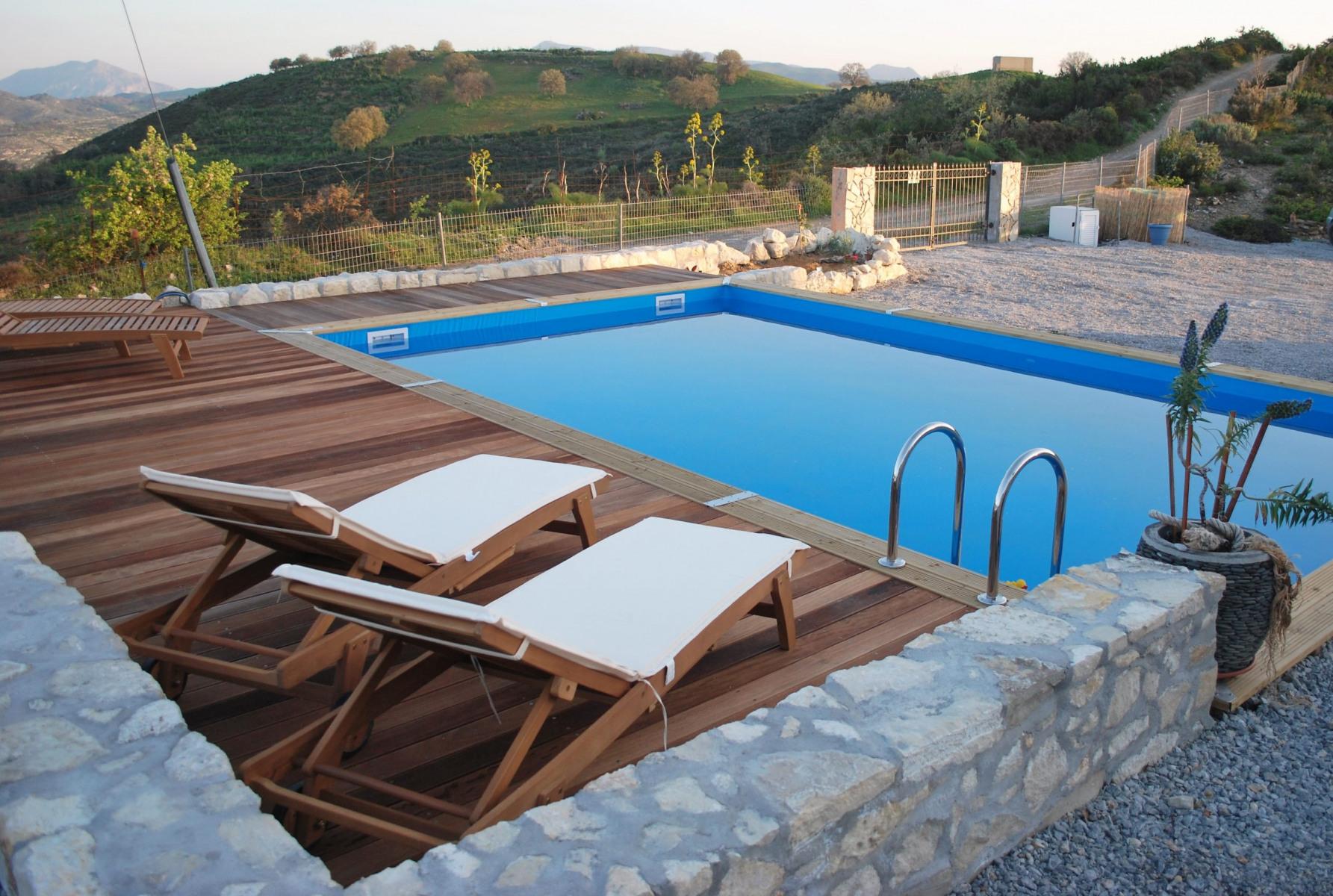 zwembad-uitzicht-op-E4-scaled