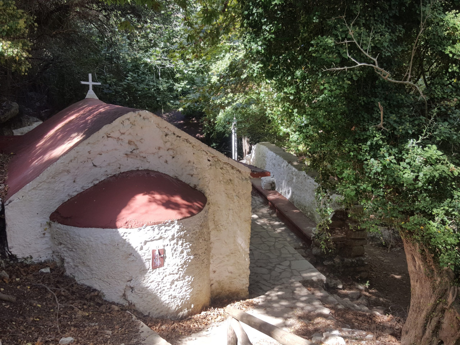 small chapel in Myligorge
