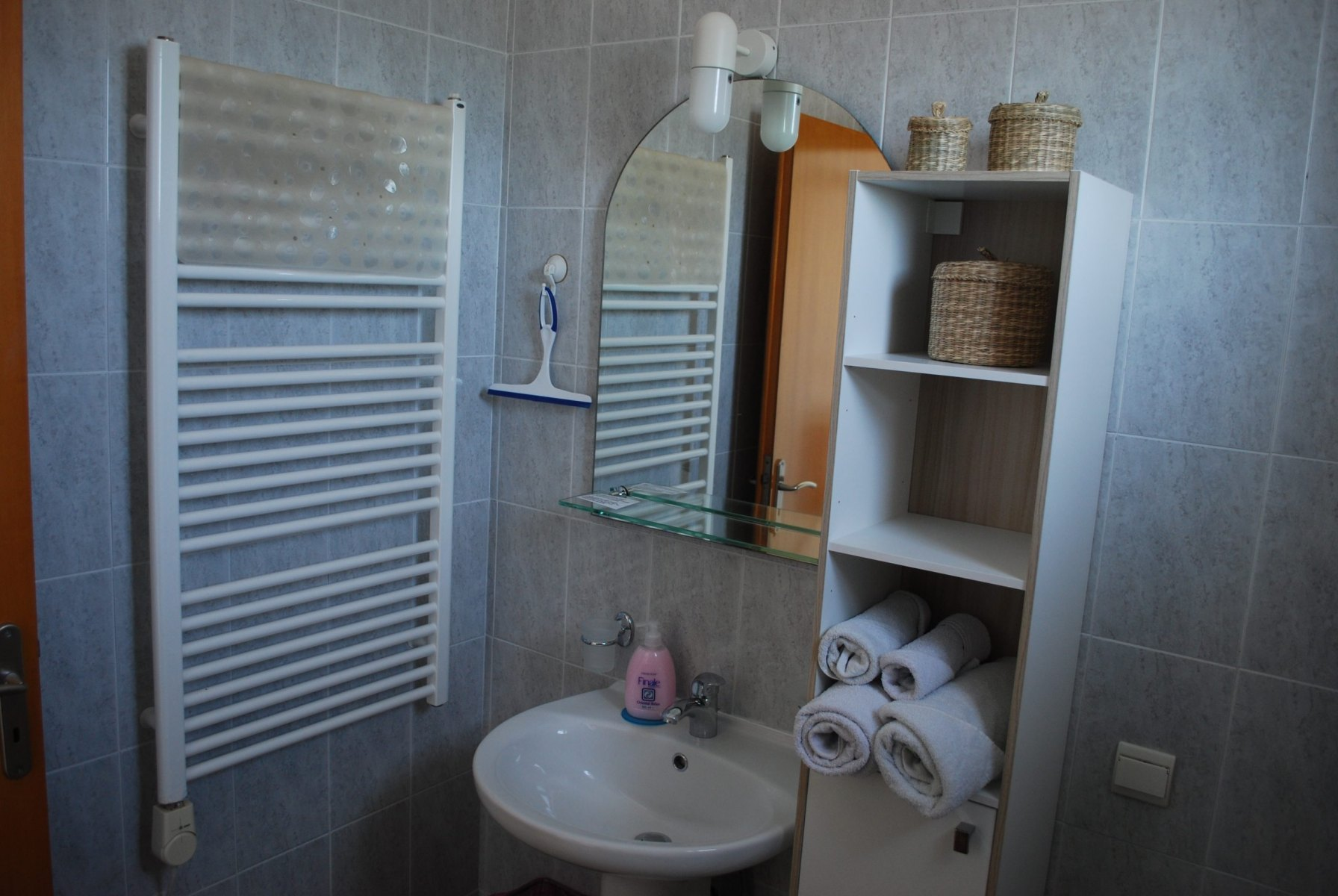 bathroom-bungalow